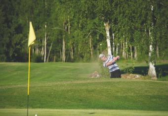 Alueen golfkentät